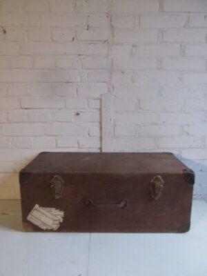 Oude houten koffer 67 x 32 cm