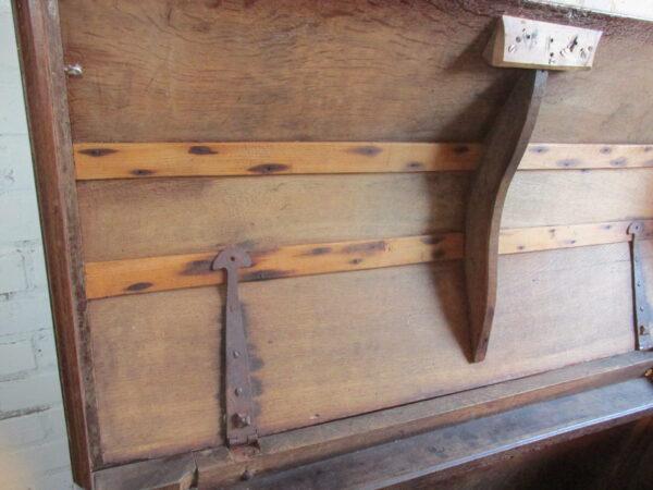 Antieke dekenkist eiken, uit 18e eeuw