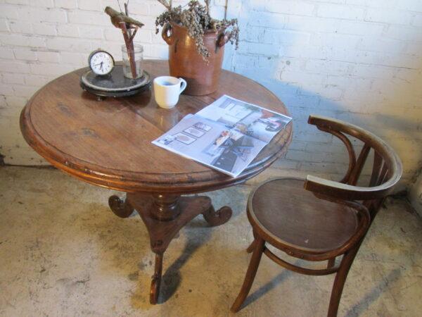 Antieke ronde eiken tafel, tilttop