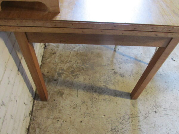 Vintage tafel, uittrekbaar van 119.5 tm199.5 cm