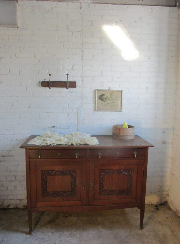 Sobere eiken dressoir of als baby commode