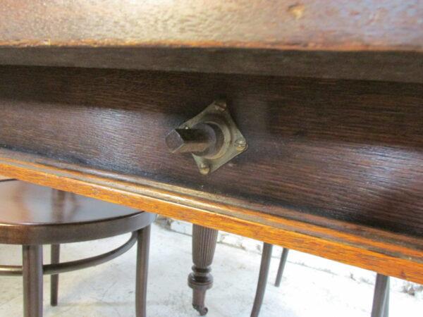 Antieke eiken slinger tafel, Engels en verlengbaar