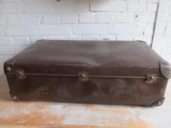Oude bruine koffer, 66 cm x 39 cm