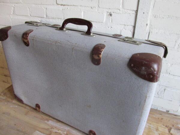Oude koffer in bruin tweed  66 cm x 40 cm