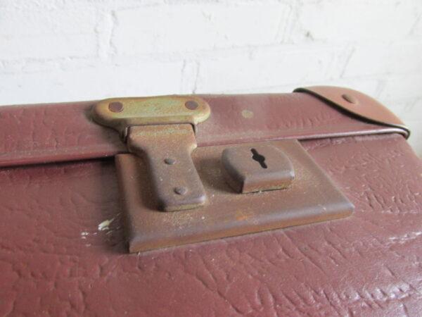 Oude bruine koffer 76 cm x 45 cm