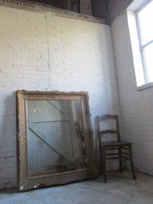 Grote antieke lijst met spiegel 107x 127 cm