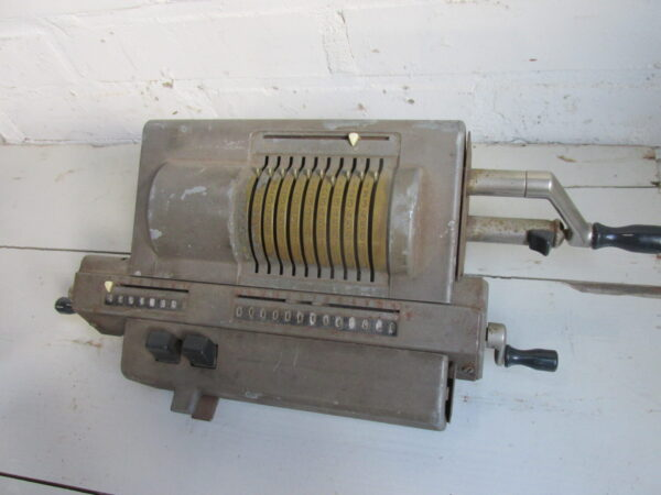 Original Odhner rekenmachine uit Zweden