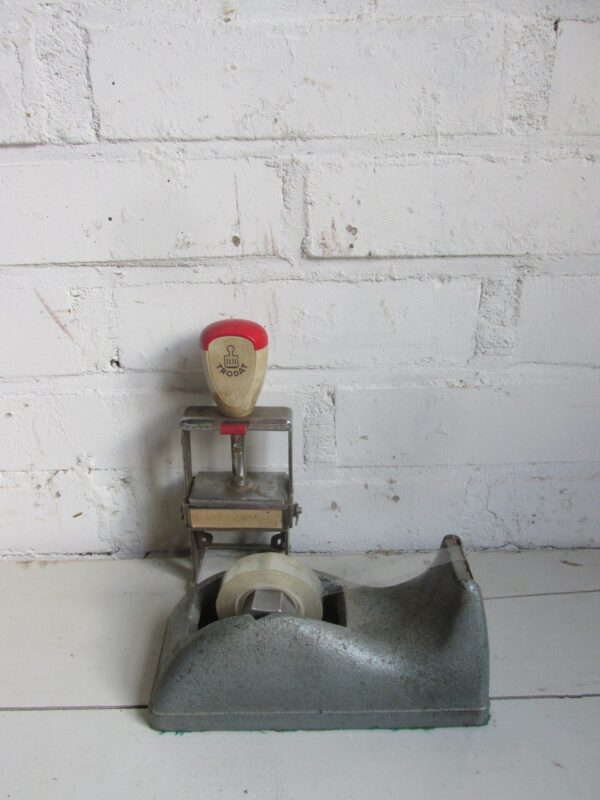 Oude stalen plakband apparaat