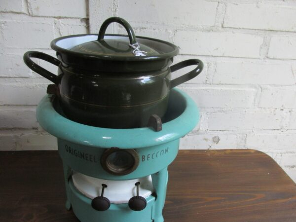 Emaille petroleumstel , mint een Beccon 2 pitter