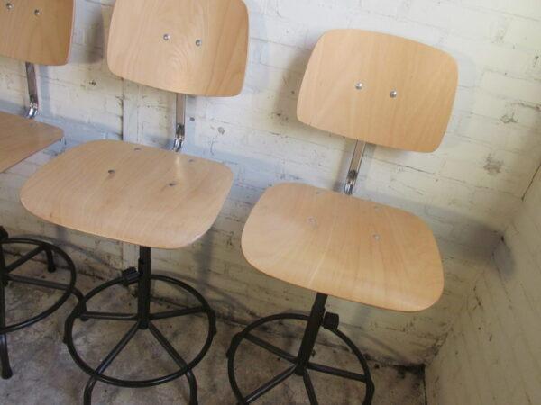 Atelier stoel, draaibaar en in hoogte verstelbaar