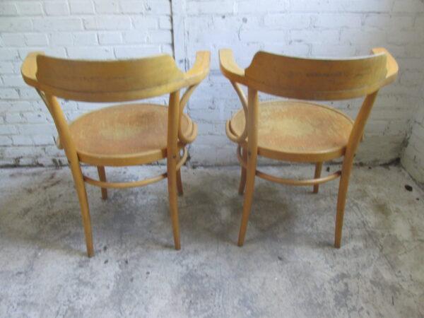 Model Thonet 233 caféstoel in beuken
