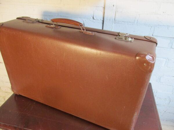 Oude bruine koffer, 61.5 x 40 cm