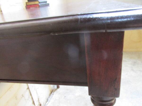 Antiek mahonie tafeltje om aan te werken of te eten