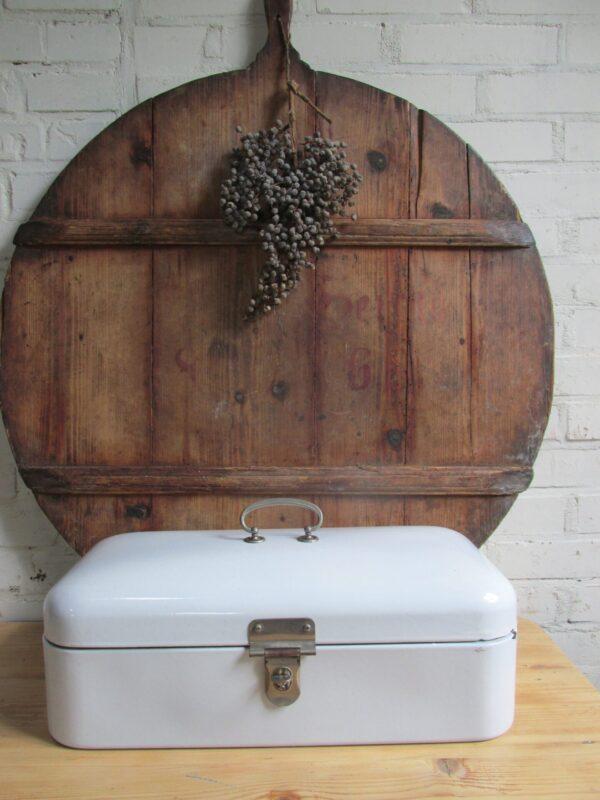 Witte oude broodtrommel van emaille