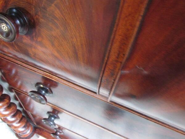 Zeer grote Schotse antieke ladekast