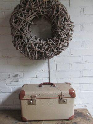 Oude koffer in bruin tweed, 42 x 18 cm