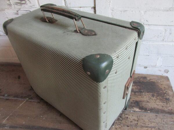 Oude groene koffer