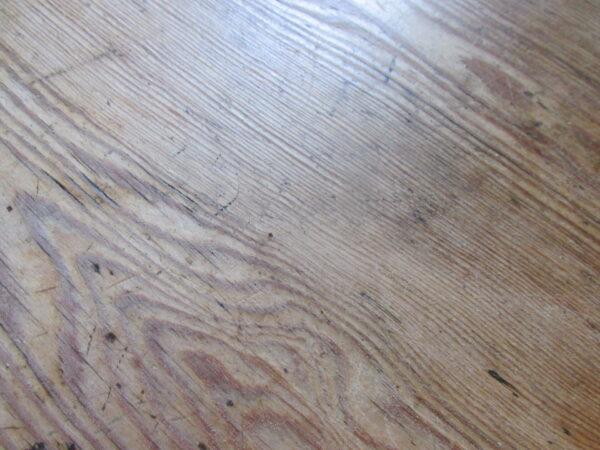 Smalle antieke grenen tafel