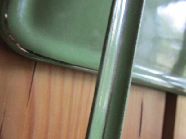 Emaille lepelrek in Reseda met zilverbies