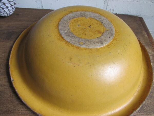 Oude Franse oker gele schaal