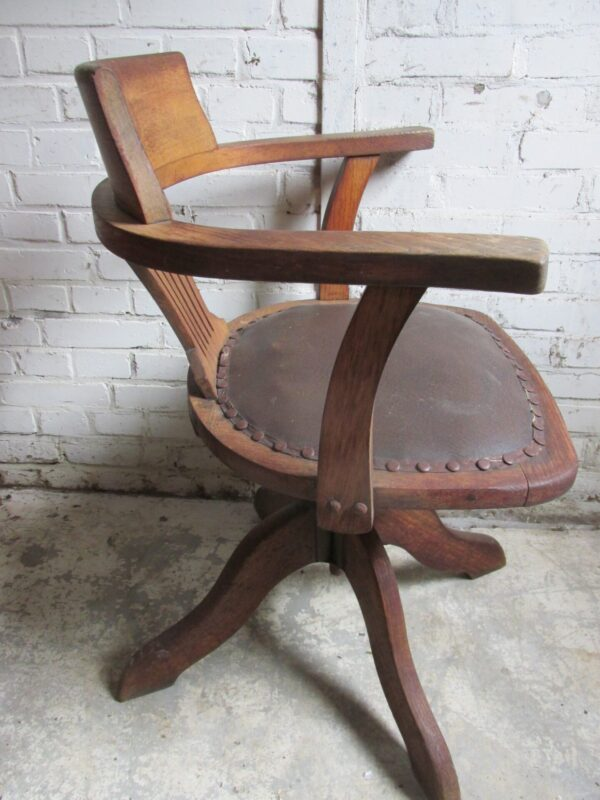 Antieke eiken bureaustoel, draaibaar
