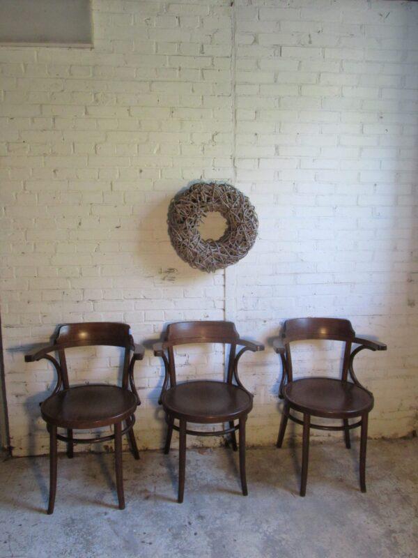 Oude houten café stoel, naar 233 Thonet model