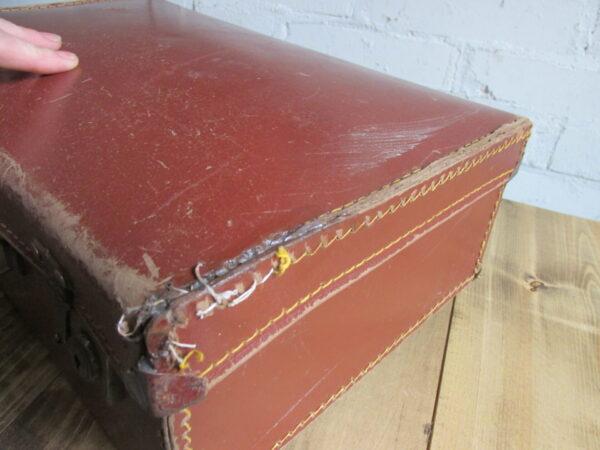 Oude bruine kleine koffer 39.5 cm x 25 cm