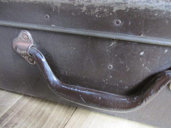 Oude donker bruine koffer 50.5 cm x 27.5 cm
