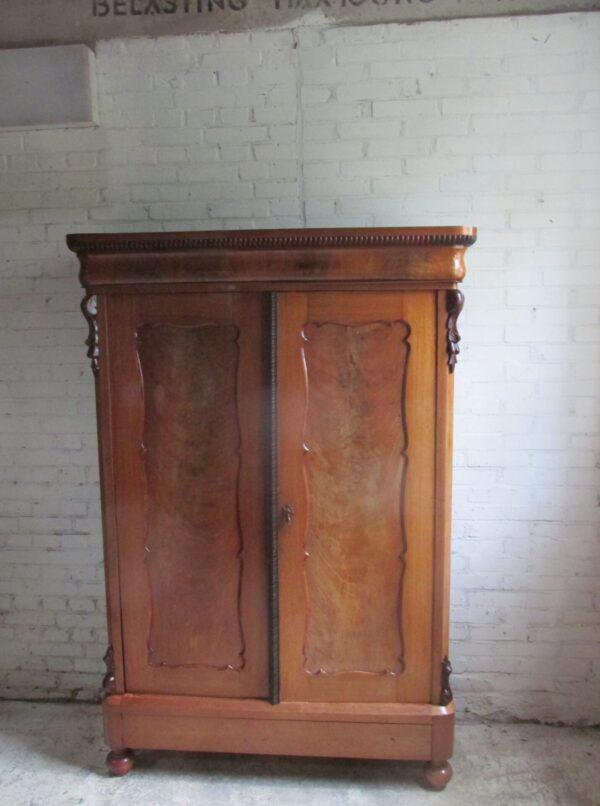 Antieke Biedermeier kast, demontabel en van mahonie